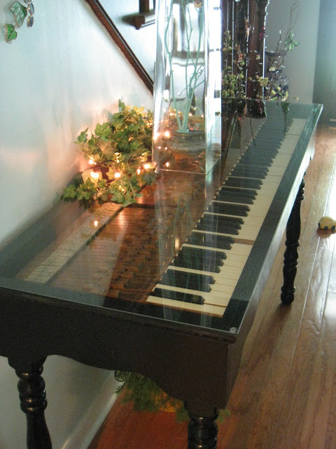 Piano keyboard table / Repurposed For Life