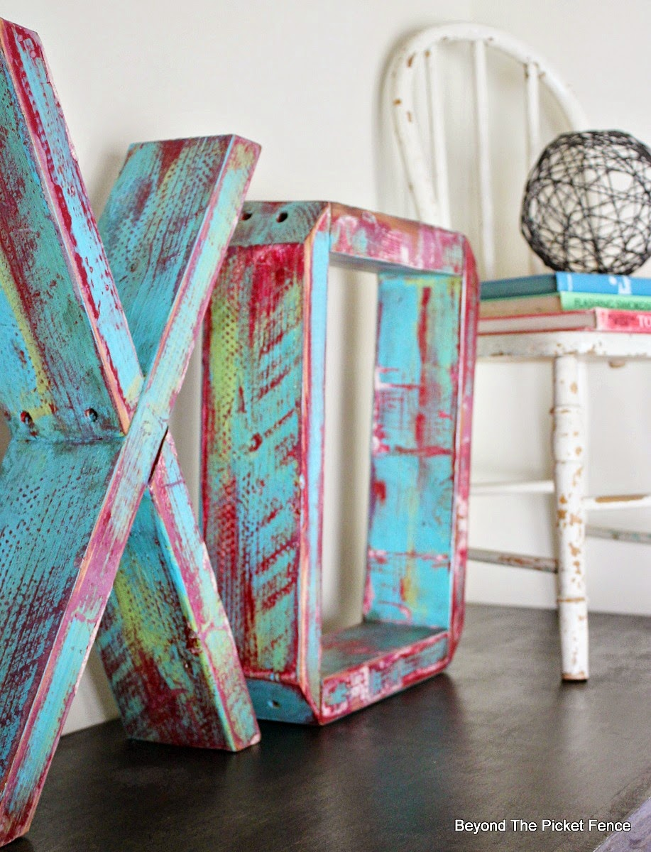 Reclaimed wood XO by Beyond the Picket Fence