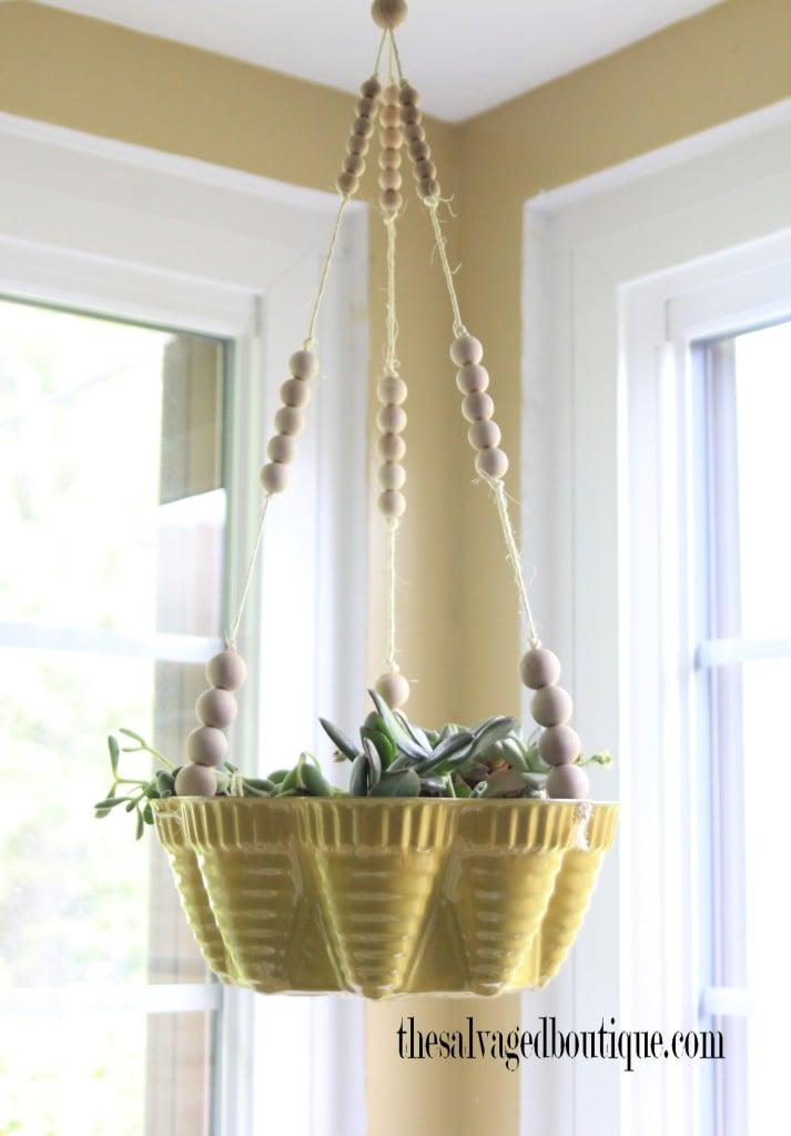 bundt-cake-pan-planter-corner-window-713x1024