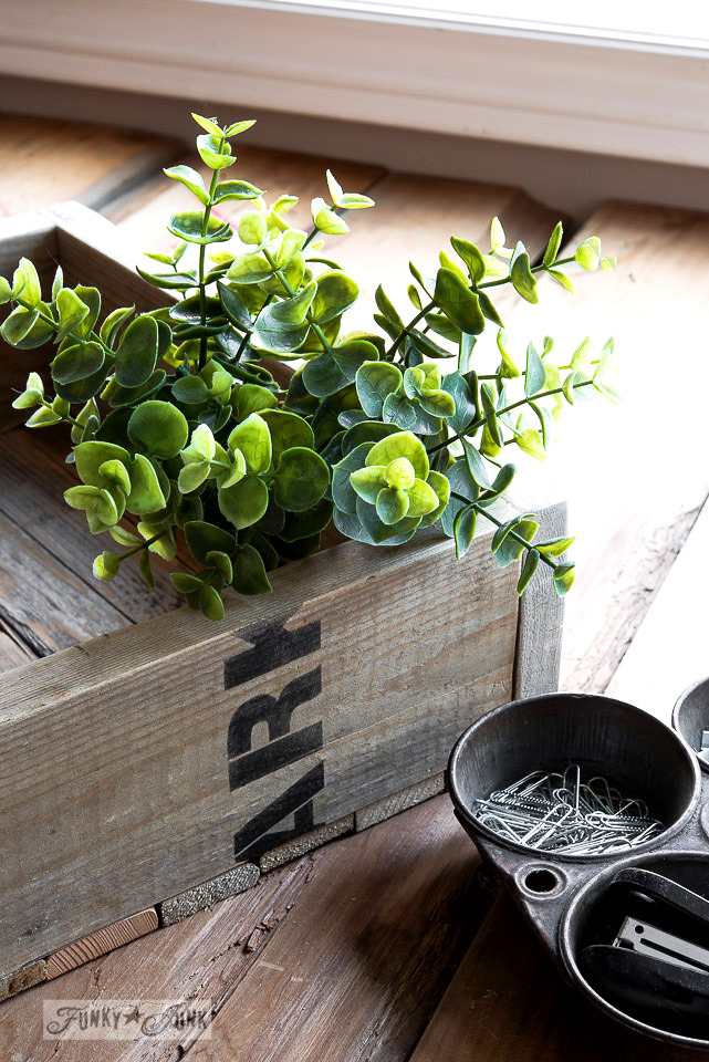 Crate markings / How to stencil... featuring a pallet wood crate, using Funky Junk's Old Sign Stencils