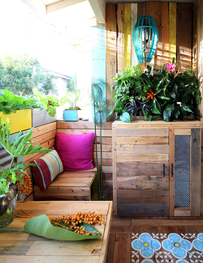 Pallet patio remodel by A Piece of Rainbow, featured on Funky Junk Interiors