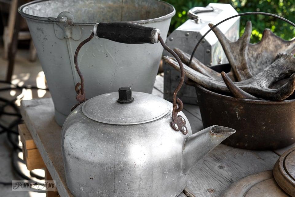 Metal kettle / Flea market and garage sale finds / FunkyJunkInteriors.net