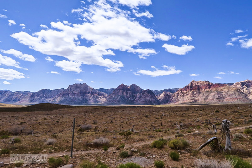 A glorious day hiking Red Rock Canyon while in Las Vegas / FunkyJunkInteriors.net