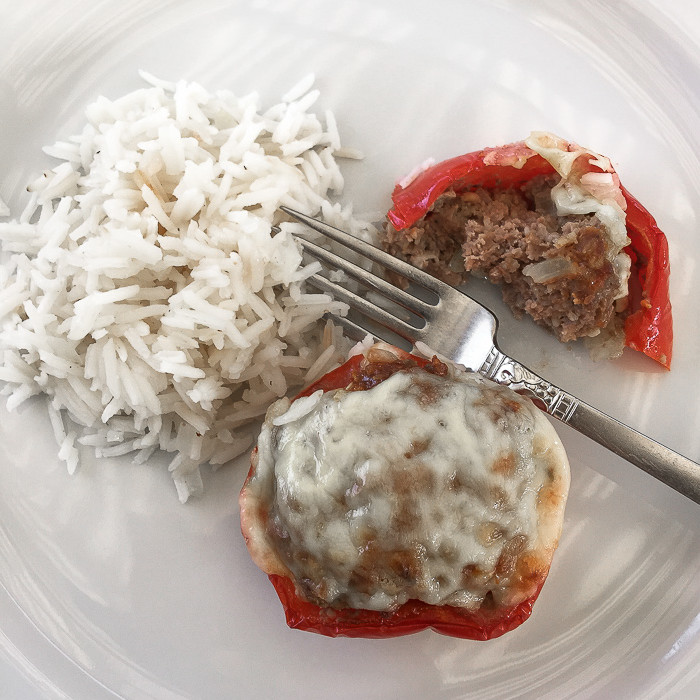Learn how to make these delicious bell pepper stuffed mini meat loaves. Gluten-free! Click to read full recipe tutorial.