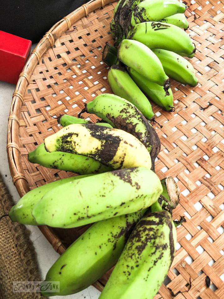 Apple bananas at The Maui Swap Meet / funkyjunkinteriors.net