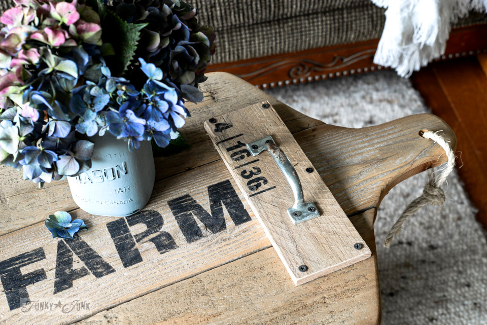 Reclaimed wood cutting board Apple Farm tray with stencilled design / funkyjunkinteriors.net