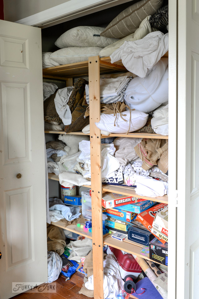 Linen closet before / funkyjunkinteriors.net