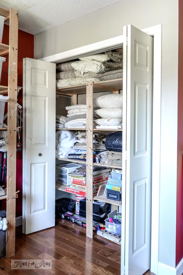 Clean linen closet / funkyjunkinteriors.net