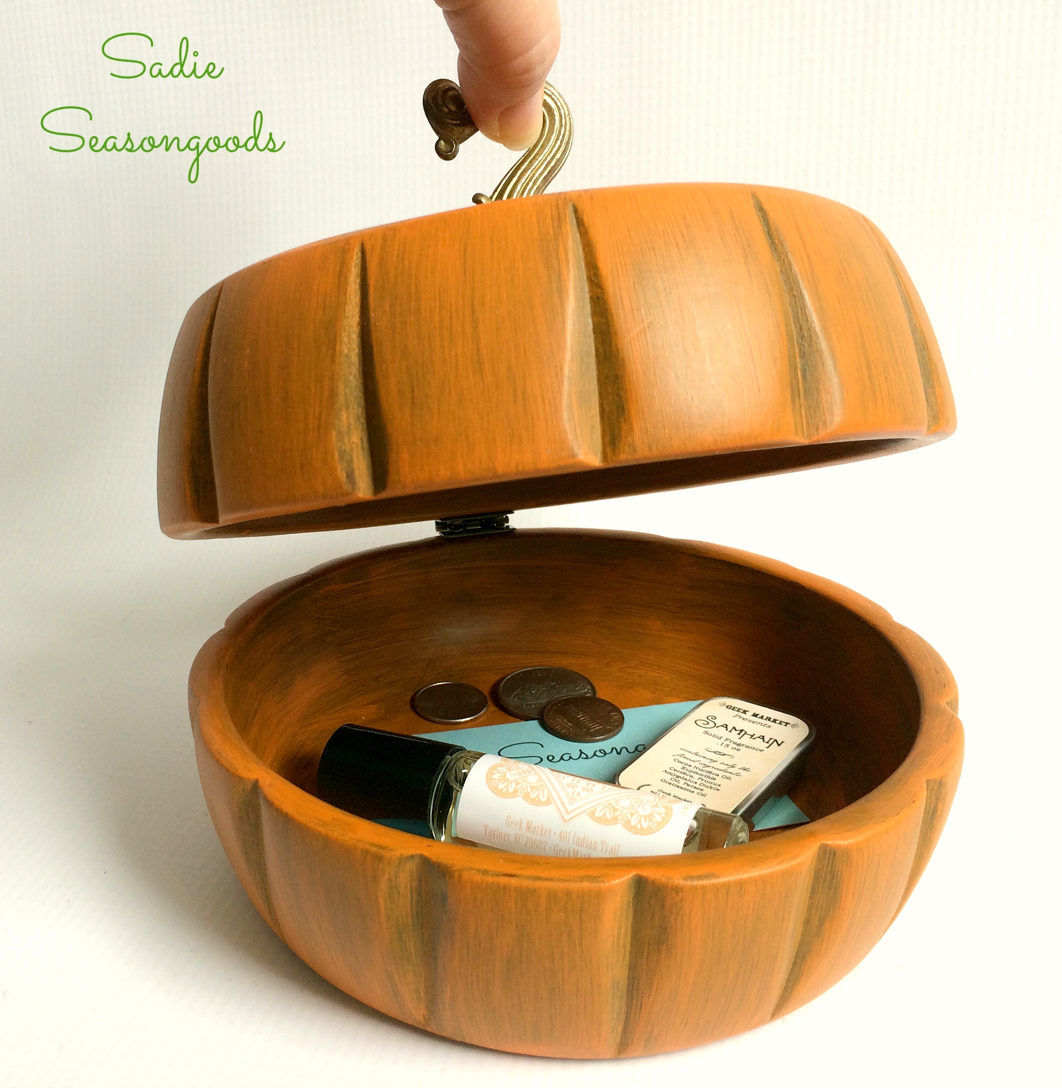 Salad bowls turned pumpkin storage, by Sadie Seasongoods, featured on Funky Junk Interiors
