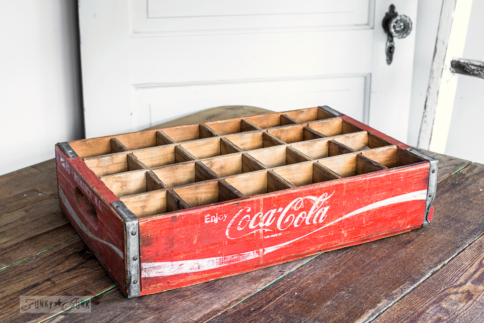vintage coke crate for a candle centrepiece / funkyjunkinteriors.net