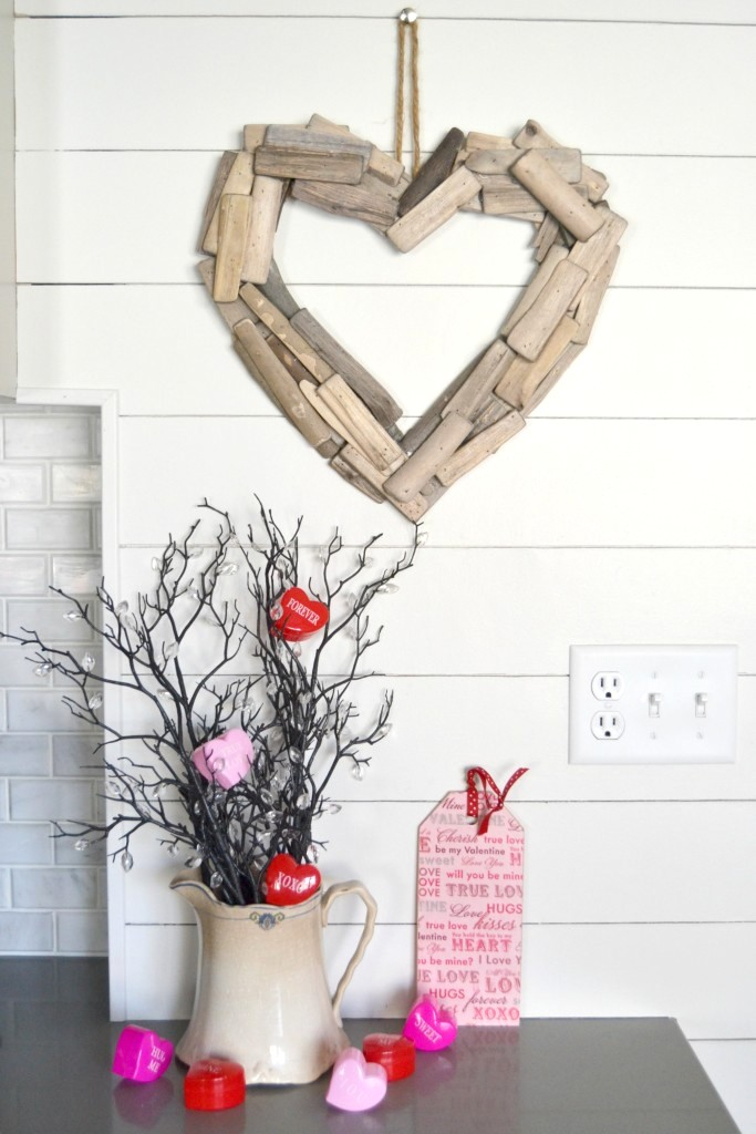 DIY Driftwood Heart Wreath by My Creative Days, featured on Funky Junk Interiors