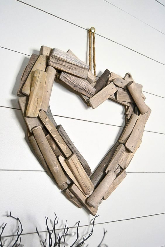 DIY driftwood heart, by My Creative Days, featured on Funky Junk Interiors