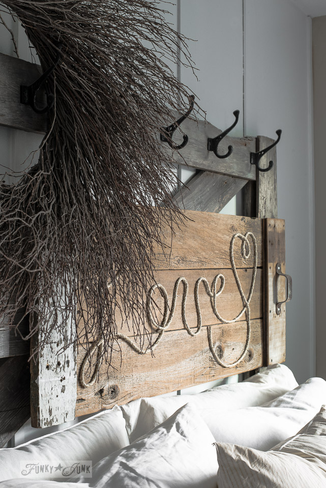 How to make a reclaimed wood Love rope sign / funkyjunkinteriors.net