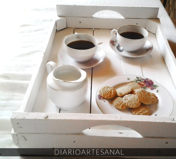 Recycled crate tray by Diarioartesanal, featured on Funky Junk Interiors