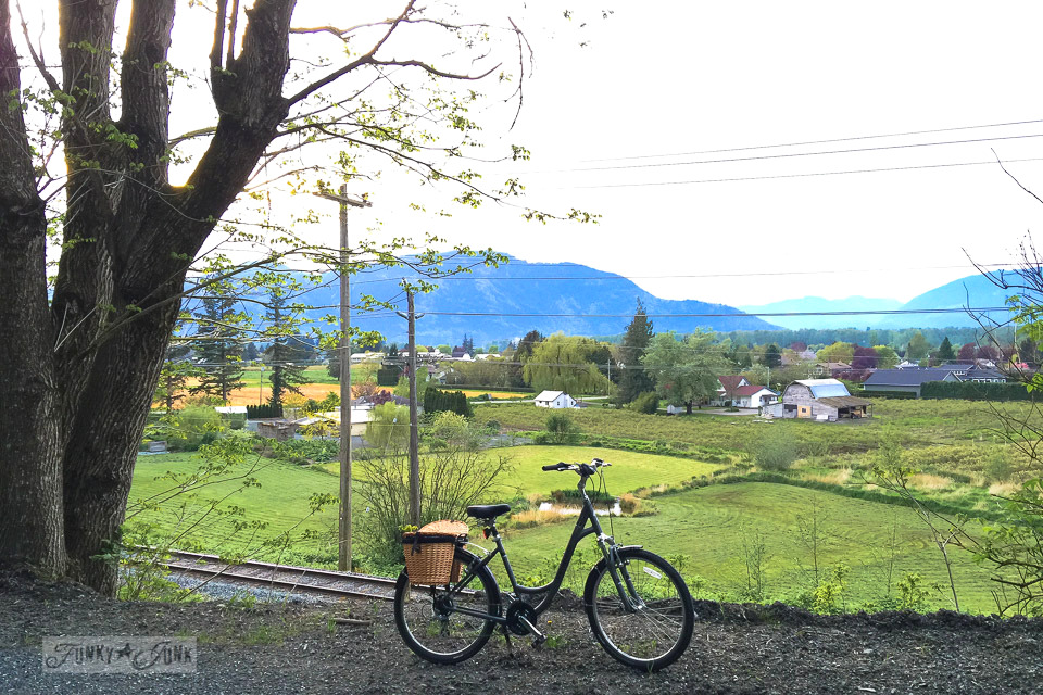 sunset bikeride overlooking the country from the mountain top / funkyjunkinteriors.net