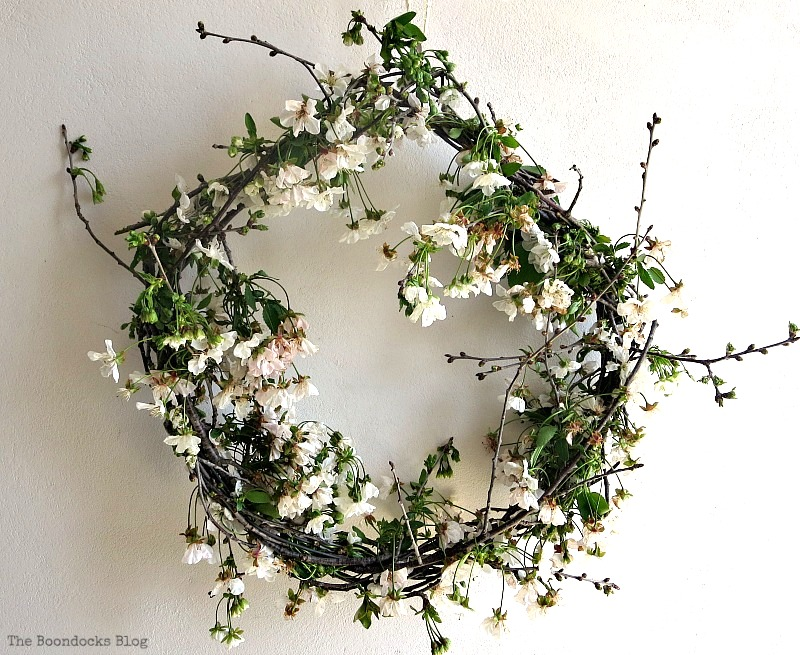 Rustic natural live wreath, by The Boondocks Blog, featured on Funky Junk Interiors