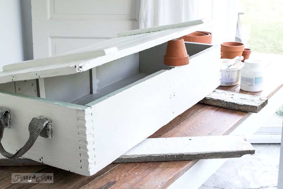 Painting a lidded crate with Fusion Mineral Paint's Casement (white) for a crate desktop.