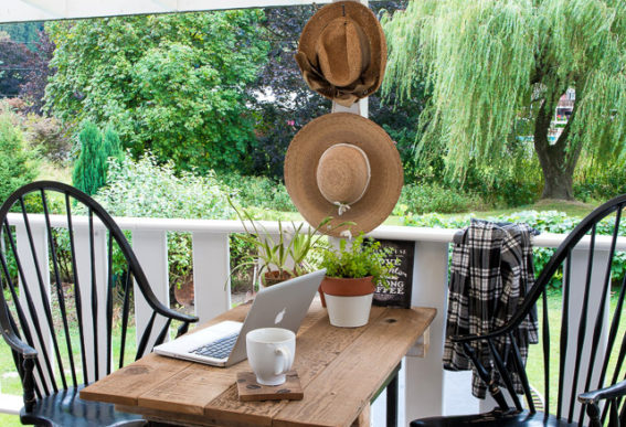 Summer Patio Revamp With A Reclaimed Wood Farm Table