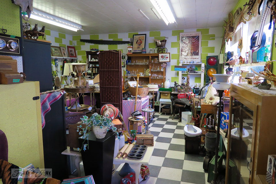 Antiquing on 6th Avenue in Hope, British Columbia, Canada | funkyjunkinteriors.net