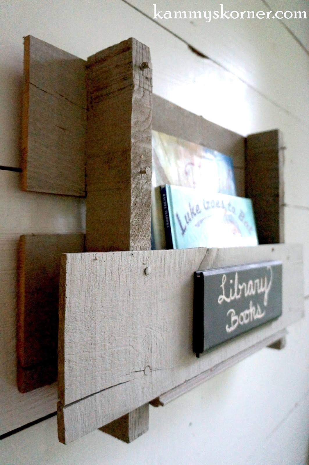 Pallet wood cubby styled bookshelf, by Kammy's Korner, featured on Funky Junk Interiors