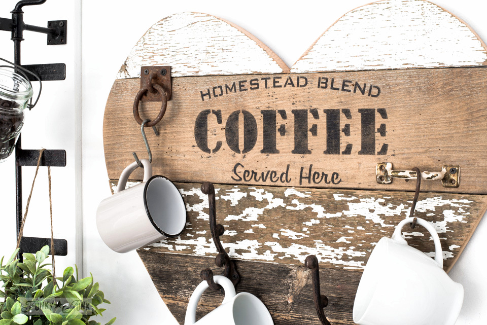 homestead-blend-coffee-reclaimed-wood-heart-mug-holder-004
