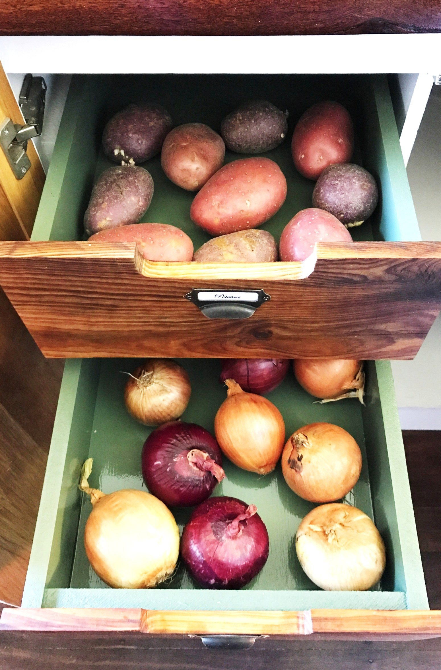 Reclaimed wood vegetable storage drawers, by House of Hollingsworth Blog, featured on Funky Junk Interiors