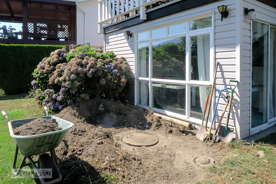 Septic area behind house gets revamped - before | funkyjunkinteriors.net