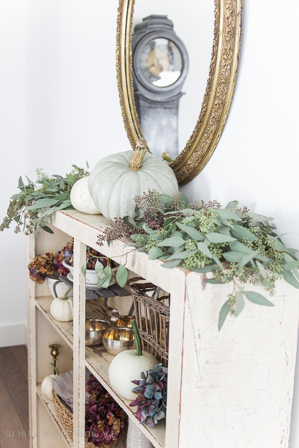 Natural fall decor in a dining room by So Much Better With Age, featured on Funky Junk Interiors