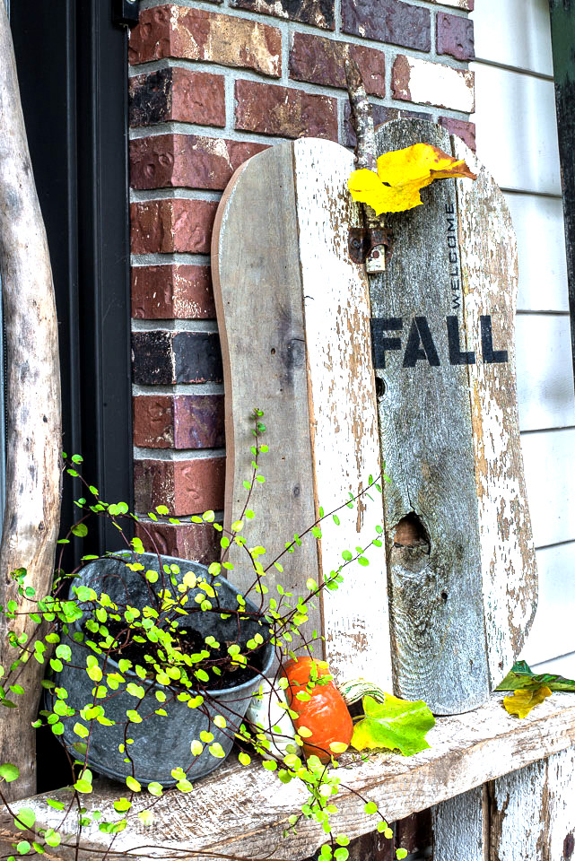 Learn how to make this reclaimed wood Welcome Fall pumpkin sign for a front porch.