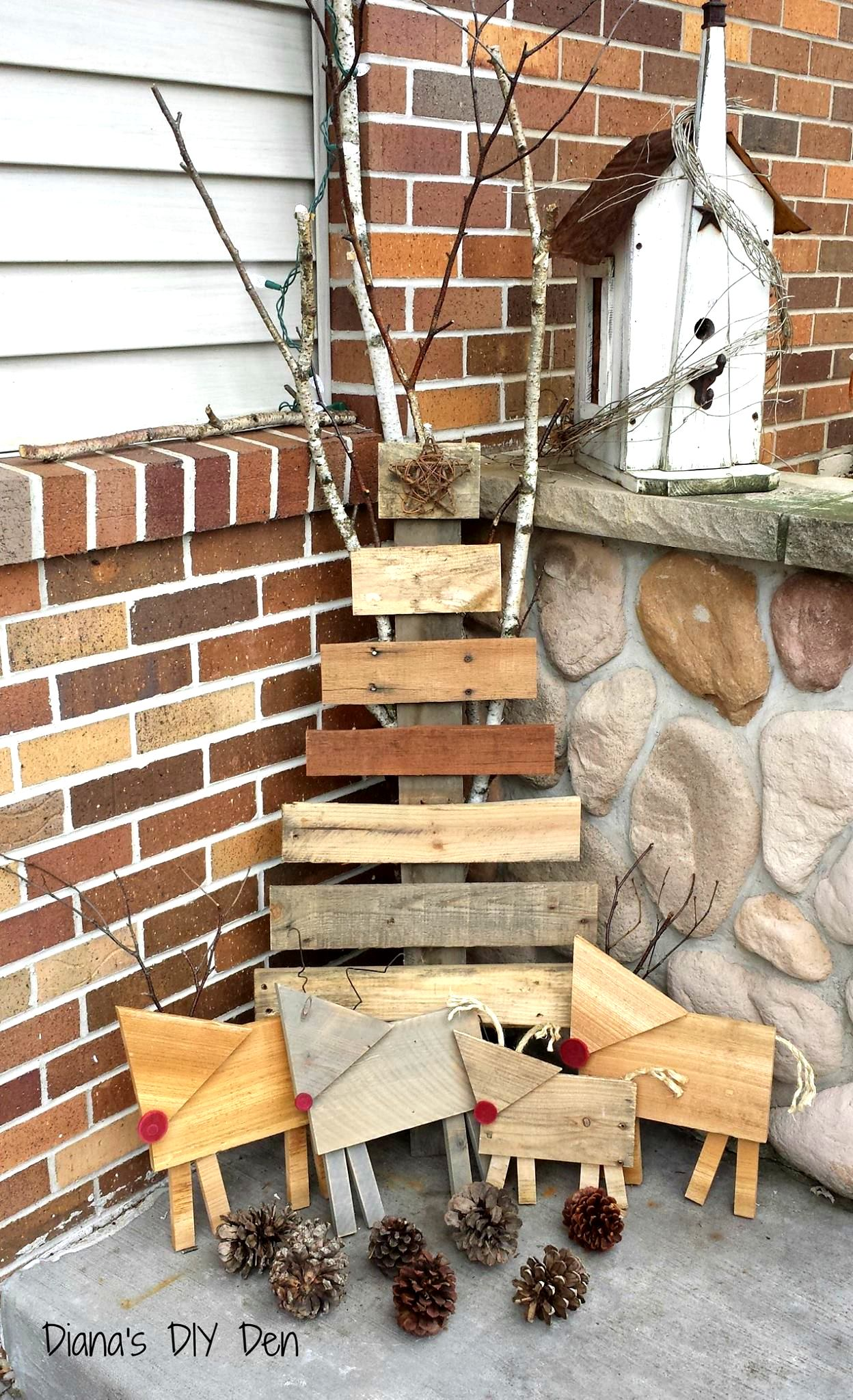 Pallet wood Christmas tree and deer by Diana's DIY Den and Treasures, featured on Funky Junk Interiors