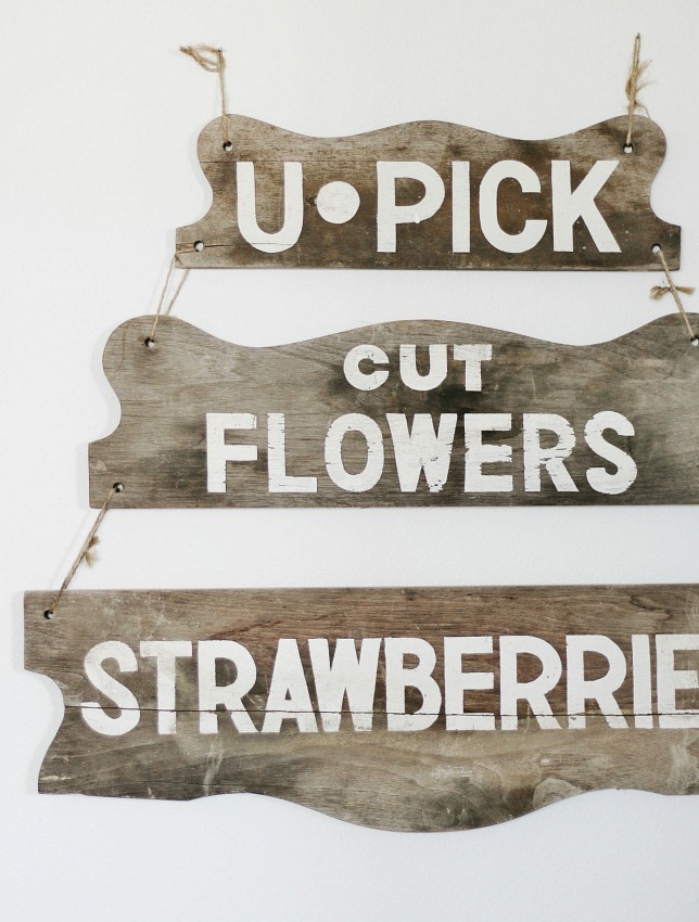U Pick Flower hand painted sign on Thistlewood Farms, featured on Funky Junk Interiors