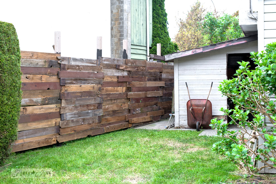 How I Built A Rustic Reclaimed Wood Garden Fence. No Sawing Of The Planks  Required