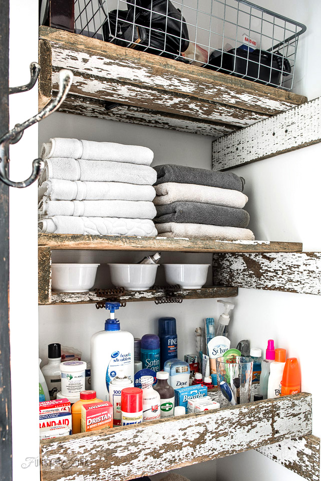 Learn the safe tricks to purging skin care & makeup Wk 7 in this Marie Kondo cleaning challenge! #mariekondo #purging #cleaning #shelving