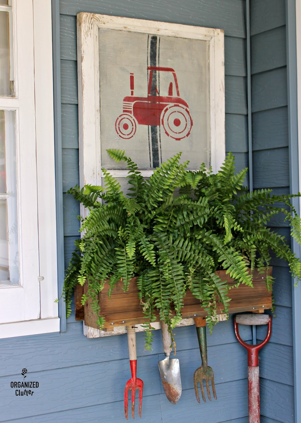 Farmhouse styled patio decorating by Organized Cutter, featured on Funky Junk Interiors