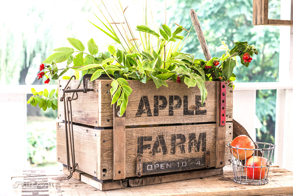Make this DIY rustic Apple Farm crate for fall, made with Funky Junk's Old Sign Stencils