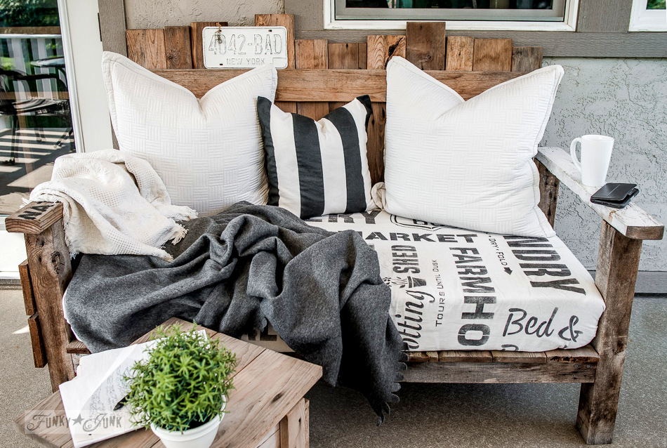 Learn how to make this pallet sofa as outdoor patio furniture from reclaimed wood.