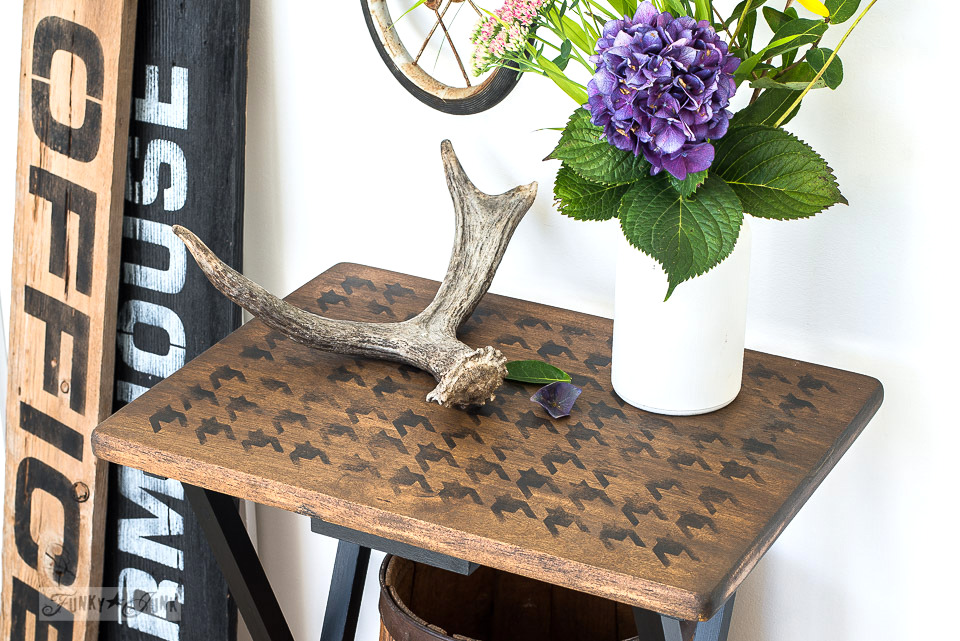 A tv tray gets a stenciled Houndstooth makeover