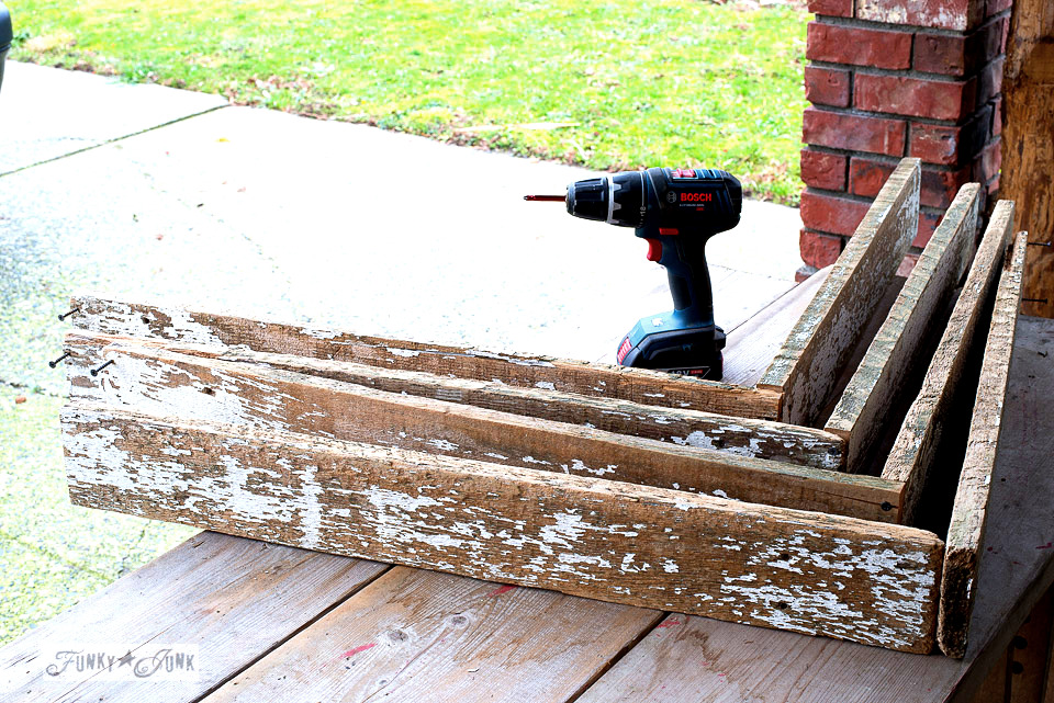 How to build a reclaimed wood Christmas tree crate for a skirt base