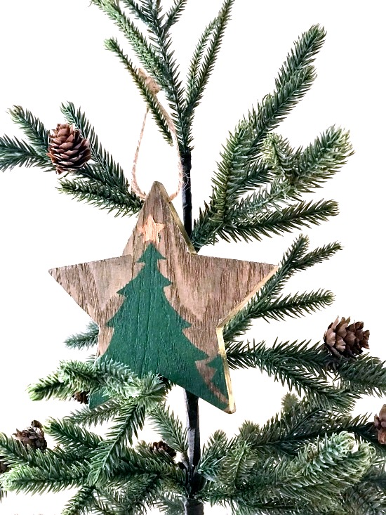 Rustic Christmas tree star ornament by Homeroad, featured on Funky Junk Interiors