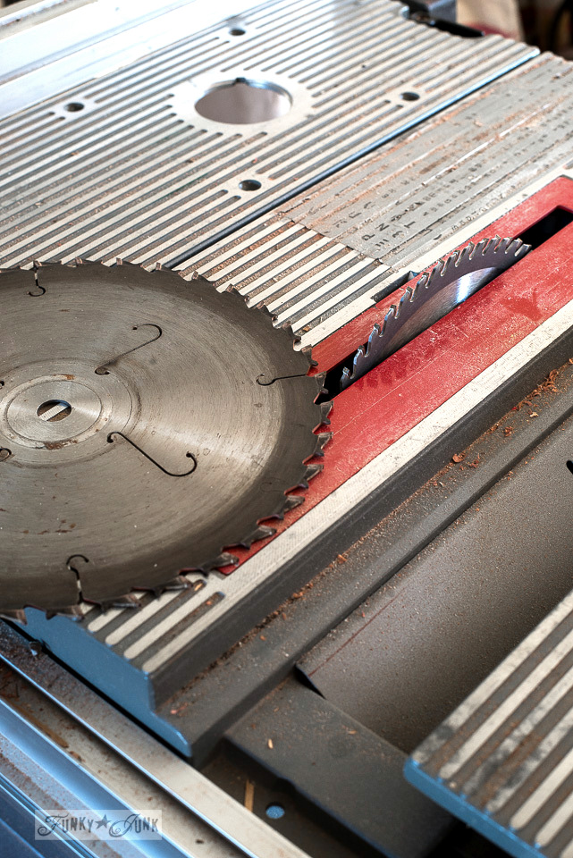"Changing a dull saw blade in a Ryobi 10"" table saw to a brand new sharp blade."