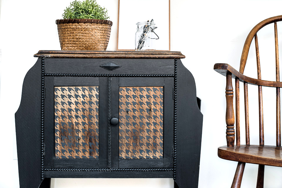 Black sidetable with stenciled Houndstooth wood panels