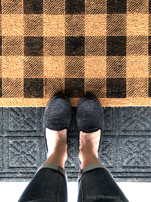Learn how to make this Stenciled Buffalo Check front door mat with an Ikea door mat, paint and a Buffalo Check stencil from Funky Junk's Old Sign Stencils! Painted in minutes! #funkyjunksoldsignstencils #funkyjunkinteriors #buffalocheck #buffaloplaid #stencils