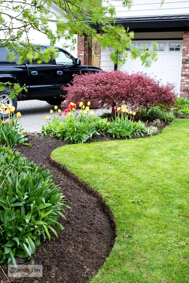 Learn how to professionally edge flowerbeds for outstanding curb appeal when deciding to sell your home.