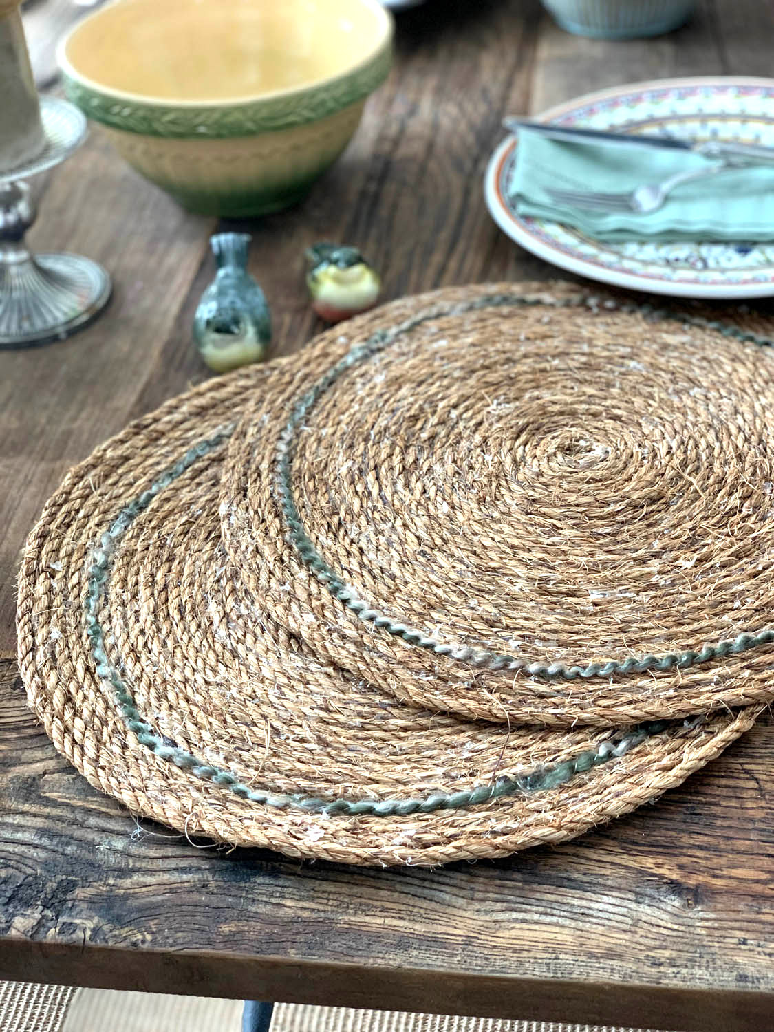 Rustic rope charger placemats by Yarn Scissors Silk, featured on Funky Junk Interiors
