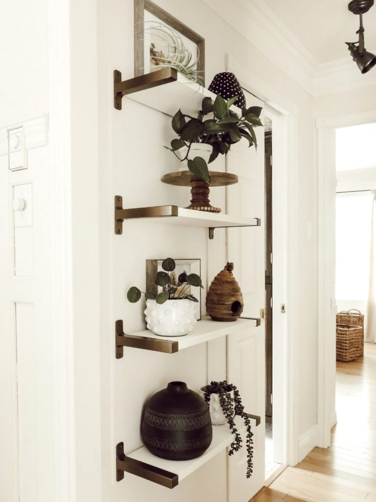 Antique brass shelving brackets by Rever en Couleur, featured on Funky Junk Interiors