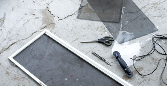 how to replace window screens