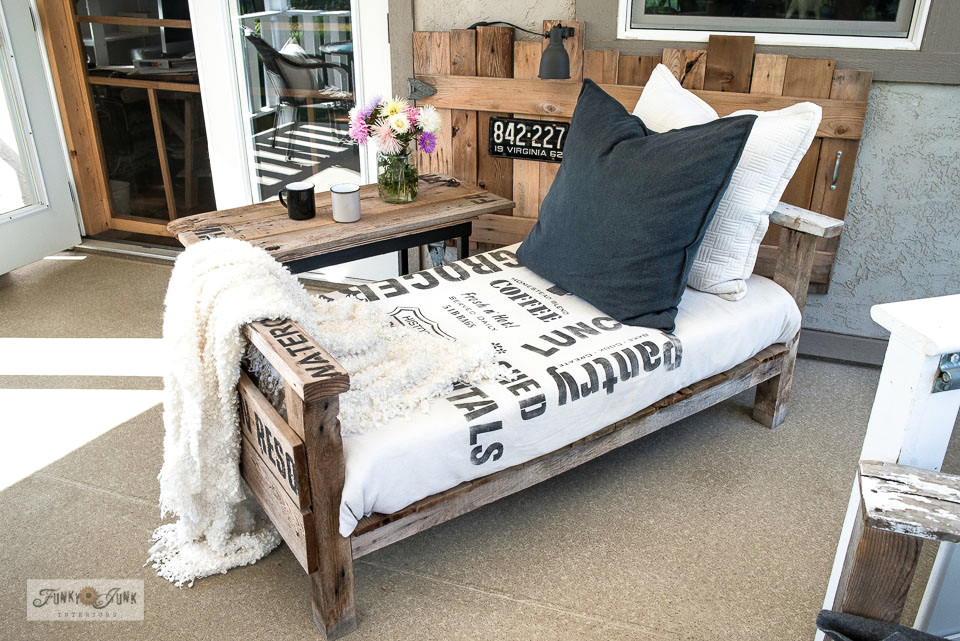 Learn how to make a pallet wood sofa that's also a lounger! So affordable, comfy and easy to make! Perfect as outdoor furniture.