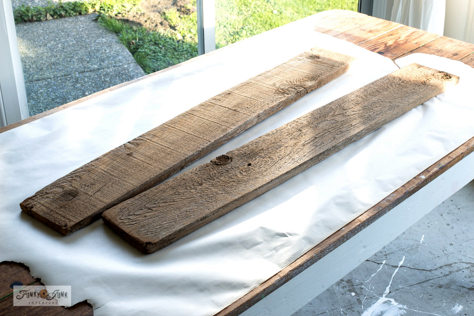 Learn how these reclaimed wood fence planks are about to become a festive Joy sign!