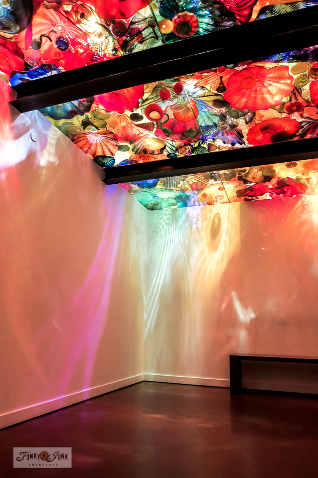 View an incredible and colourful blown glass ceiling at Chihuly Garden and Glass in Seattle Washington. Outstanding stop!