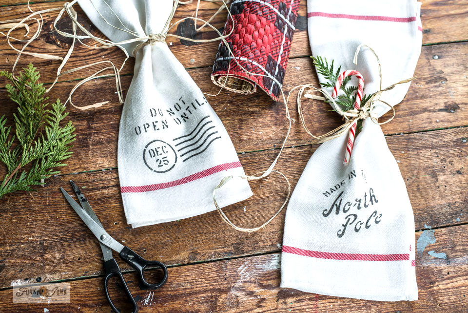Learn how to DIY these Ikea tea towels into Christmas cloth napkins through a short video tutorial.
